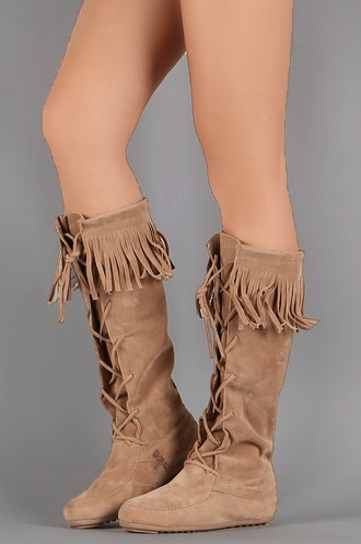 Spring Tan Suede Moccasin Lace up Pull