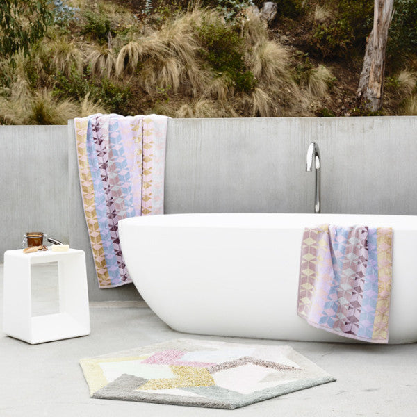 Tenera Bath Towel and Vesta Rug Pack