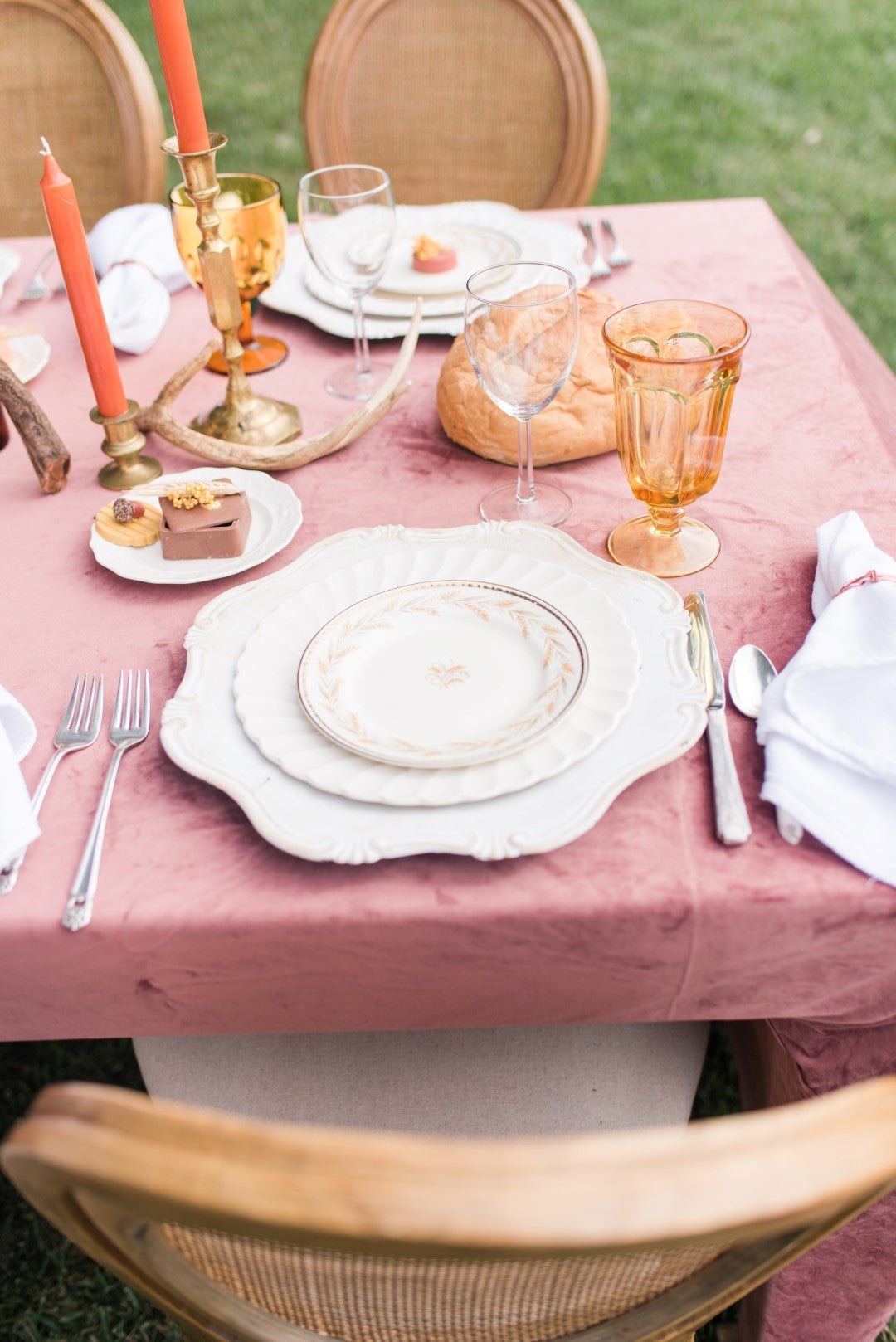 wedding table setting inspo