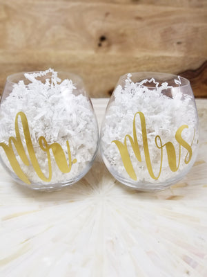Mr. and Mrs. Gold Stemless Wine Glass Set