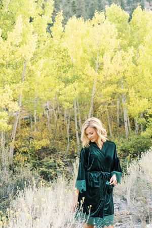 EMERALD VELVET ROBE FOR CHRISTMAS