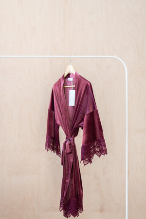 unique bridesmaid robes in mauve velvet