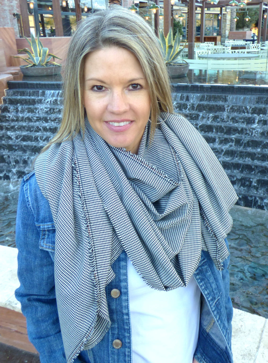 Scarves - Black and White Hounds Tooth Blanket Scarf - Ella Winston