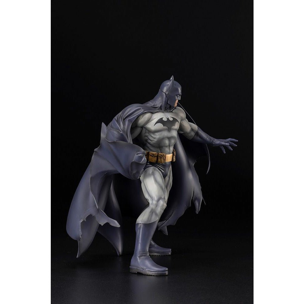 (PRE-ORDER: Expected April 2021) Kotobukiya ARTFX DC Universe Batman Renewal Package 1/6 Scale Figure Statue
