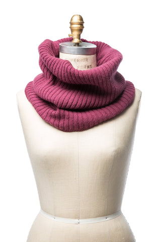 Wool Collar Berry
