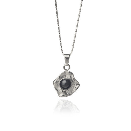 Icelandic sweaters and products - Black lava tear necklace - Pearl Jewelry - Shopicelandic.com