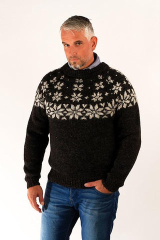 Icelandic sweaters and products - Fönn Wool Sweater Black Wool Sweaters - Shopicelandic.com