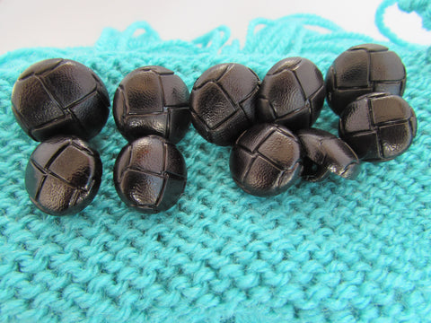15mm and 18mm Black Football Buttons