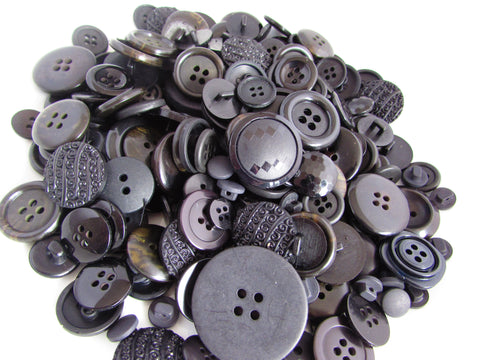 50g Black Button Assortment
