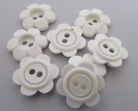 15mm White Daisy Flower Buttons