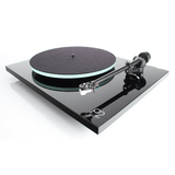 REGA Planar 2 Turntable (Rega Carbon Cartridge) - Extreme Electronics