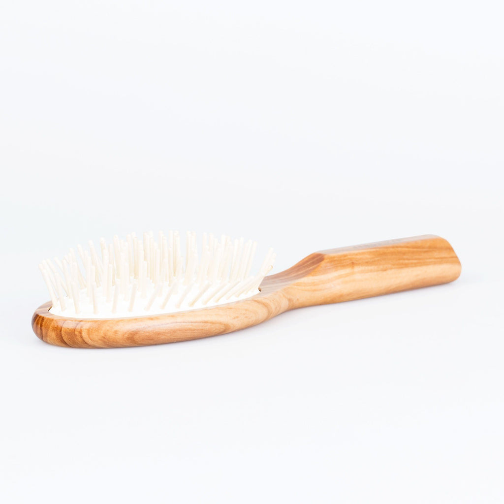 Fendrihan Oval Olivewood Pneumatic Brush with Wooden Pins – Made in Germany