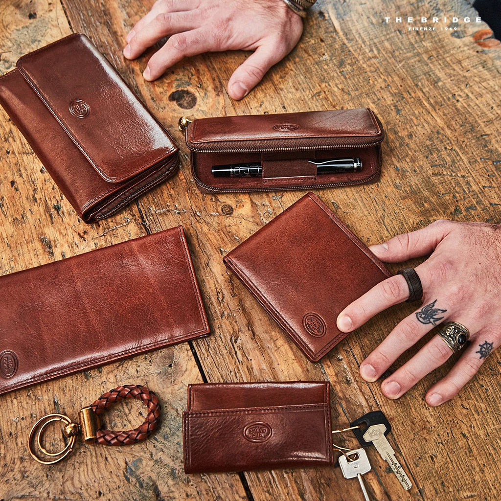 1d2d1c26ca The Bridge Story Uomo Billfold Wallet with 6 CC Slots Leather Wallet The  Bridge