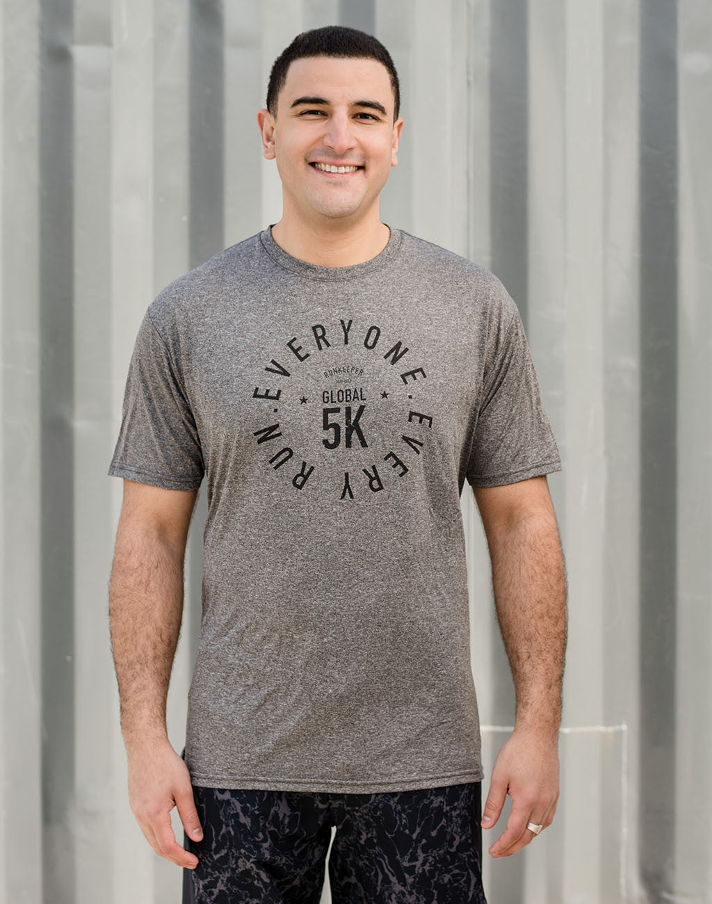Global 5K - Men's '5K Badge' Performance Tee