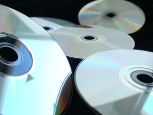Can old CD's fight pollution as activated carbon?
