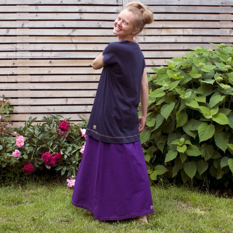 "Cotton Long Skirts in Grape<br><a href=""/products/instant-elegance-relaxed-t-shirts-bamboo"" target=""_blank"">Instant Elegance Relaxed Tees </a>in Marin"