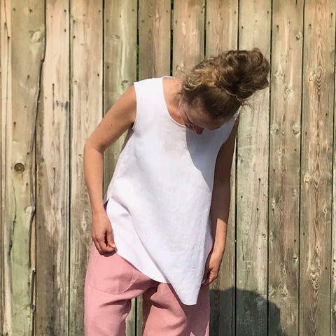 "SLEEVELESS TUNIC Colour/Size/Length: Pure White/Small/Longer | Linen TOWN Pants in Dusty Rose | Model is 5'5.5"" or 166cm"