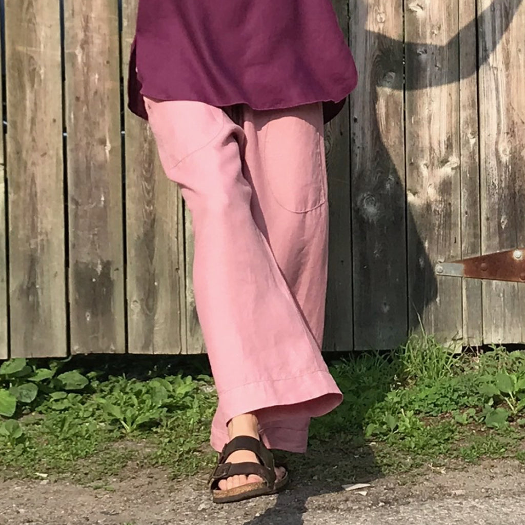 Linen TOWN Pants: Loose-Fitting Everyday Pants for Women. Pant Colour: Dusty Rose | Tunic Colour: Deep Plum