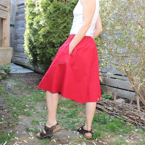 "Model's Height 5""5 1/2"" or 166cm<br>Oh Canada! Special Edition Cotton Skirt<br>Length: Longer"