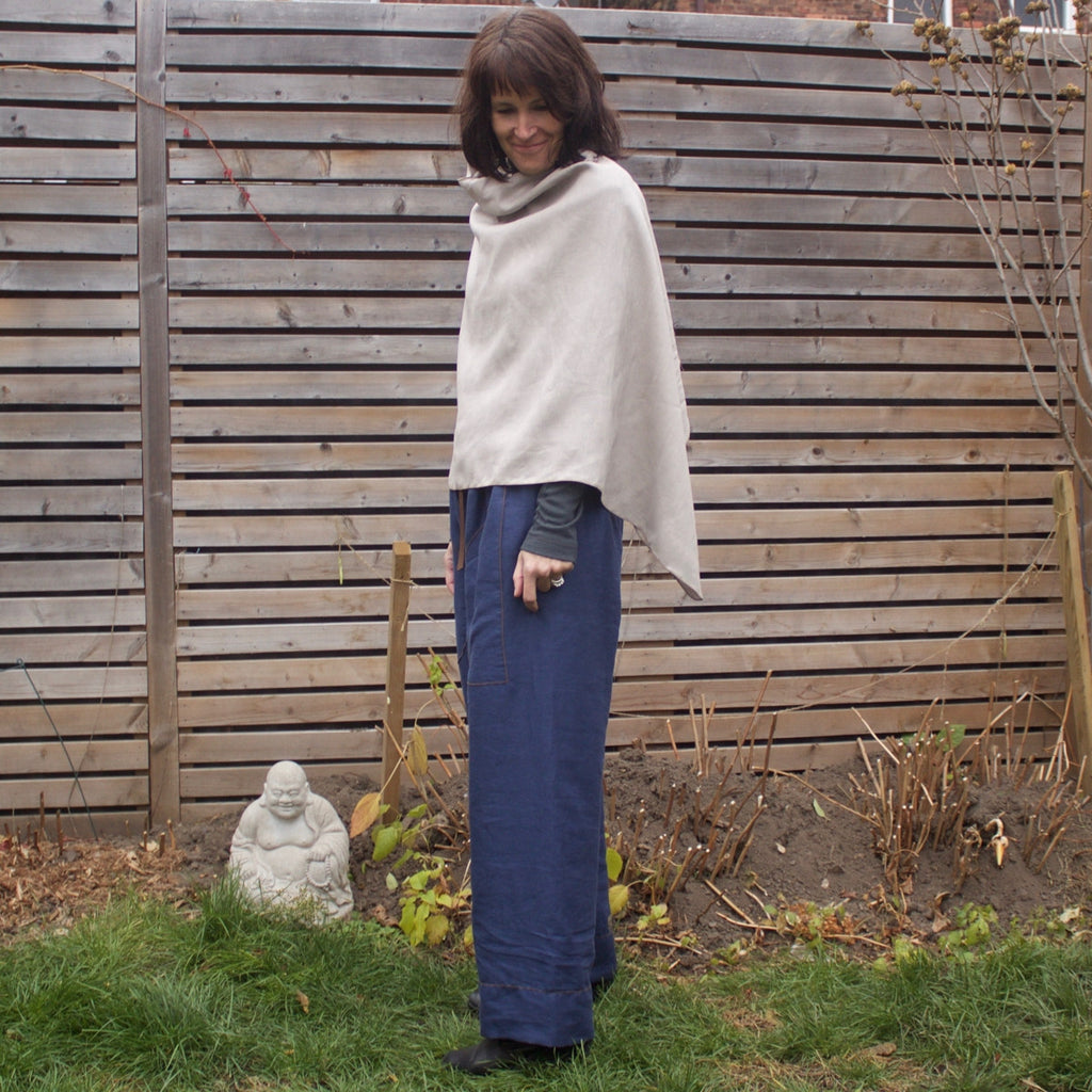 "100% Linen Shrug in the colour ""Moonstone"". The model is 5'8"" or 173cm tall.<br>Paired with<a href=""/products/linen-dream-pants-loose-fitting-yoga-pants-for-women"" target=""_blank""> Dear Lil' Devas Linen Dream Pants </a>"
