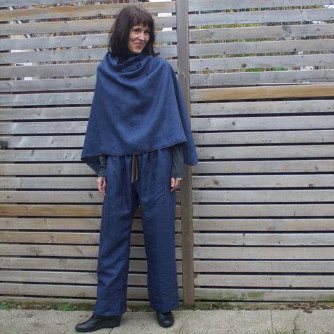 "100% Linen Shrug in the colour ""Deep Sapphire"" (2016 colour, unavailable). The model is 5'8"" or 173cm tall."