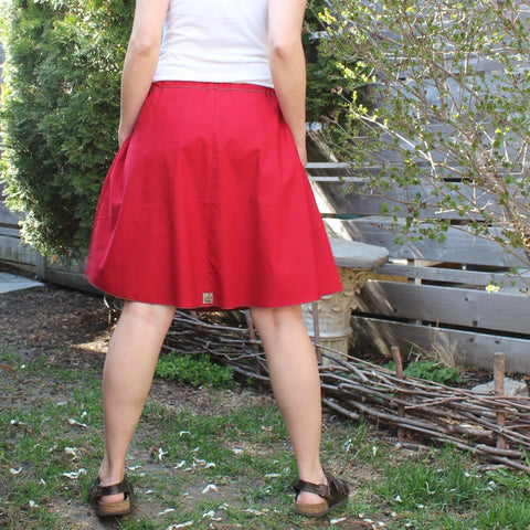 "Model's Height 5""5 1/2"" or 166cm<br>Oh Canada! Special Edition Cotton Skirt<br>Length: Shorter"