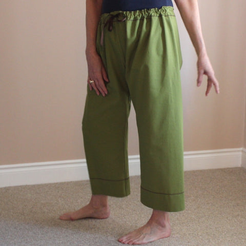Thicker Cotton Dream Pants: Loose-Fitting Yoga Pants for Women<br>Colour: Moss, Bottom Pantleg Choice: Length 1 with Cuff