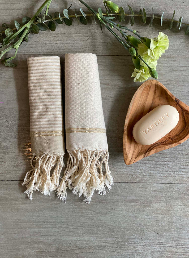 Set of 2 Guest Towel by Scents & Feel