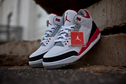 "AIR JORDAN RETRO 3 ""FIRE RED"" 136064-120"
