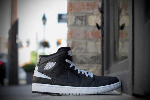AIR JORDAN 1 MID 88 BLACK/WHITE 644490-010