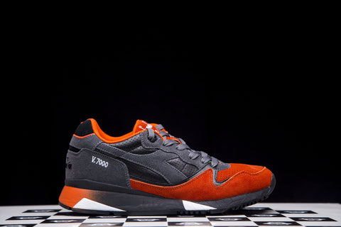 DIADORA V7000 CASTLE ROCK / DARK ORANGE