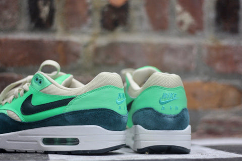 "NIKE AIR MAX 90 ESSENTIAL ""DARK ATOMIC GREEN"" 537383-230"