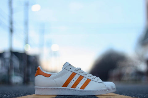 "ADIDAS SUPERSTAR 80S ""LIGHT ORANGE / OFF WHITE"" S75842"