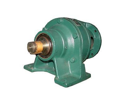NEW SM-CYCLO SPEED REDUCER GEARBOX 35: 1 RATIO MODEL CNH110Y35 (2 AVAILABLE)