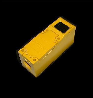 NEW BANNER  FX1  MULTI-BEAM SCANNER BLOCK
