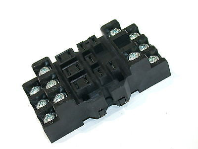 UP TO 7 NEW YOUNG RELAY 11 PIN 15A 300V SOCKET HOLDER NDSQ-11