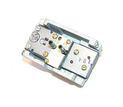 NEW JOHNSON CONTROLS THERMOSTAT  MODEL T-4002-201