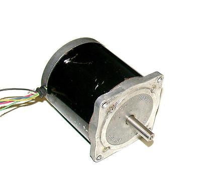 VEXTA ORIENTAL MOTOR  DC STEPPING MOTOR 6 VDC 2 AMP MODEL  PH299-02