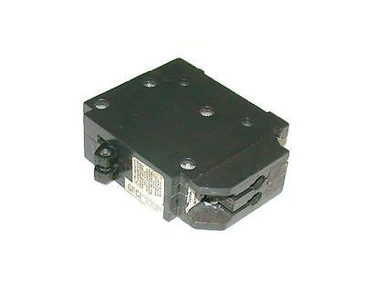 SQUARE D 20 AMP 2-POLE CIRCUIT BREAKER 120/240  MODEL HOM220