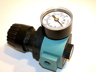 "NEW WILKERSON AIR REGULATOR W/ GAGE 1/4"" NPT R16-02-000A"