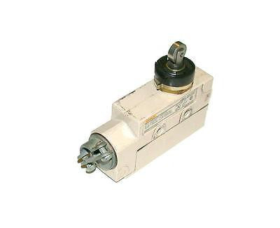 OMRON ENCLOSED LIMIT SWITCH CONTACT MODEL ZE-N22-2S  (3 AVAILABLE)