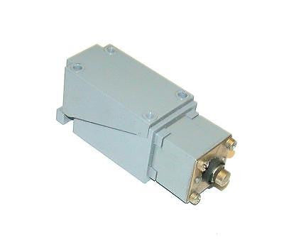 ALLEN BRADLEY OIL TIGHT LIMIT SWITCH   MODEL 802T-DP