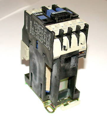 10 TELEMECANIQUE MOTOR STARTER RELAYS MODEL LP1D0910