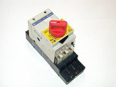 UP TO 27 TELEMECANIQUE MOTOR STARTERS  32 AMP MODEL LD4LC040