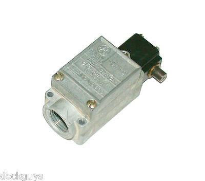 GENERAL ELECTRIC LIMIT SWITCH 10 AMP  MODEL CR9440K