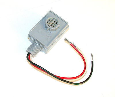 NEW DAYTON PHOTOCONTROL SWITCH 120 V  1800 W MODEL 2E331