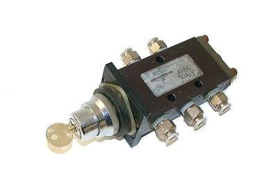AUTOMATION PRODUCTS GROUP FLUID POWER AIR SWITCH VALVE MODEL 375-02-001-44-QY