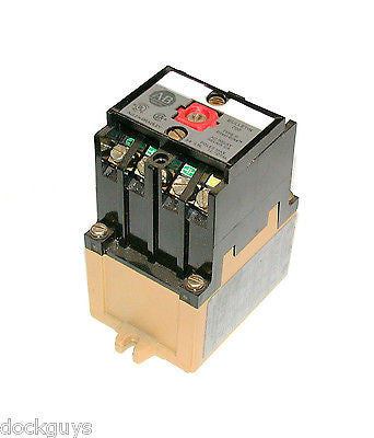 ALLEN BRADLEY 700-P400A1 RELAY CONTACTOR SERIES B (10 AVAILABLE)