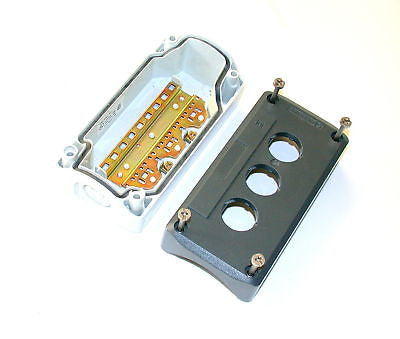 2 NEW TELEMECANIQUE PUSHBUTTON ENCLOSURES MODEL XALD03