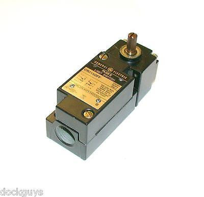 NEW GENERAL ELECTRIC HEAVY DUTY LIMIT SWITCH 10 AMP MODEL CR215G2F27
